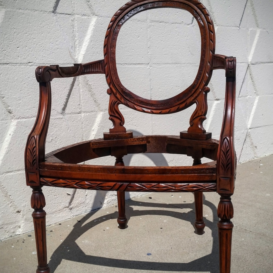 antiqe-chair